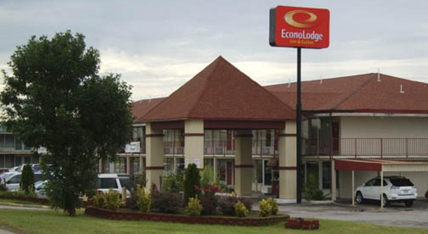 Фото отеля Econo Lodge Inn & Suites Near Bricktown 2*
