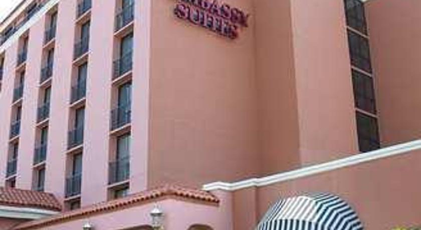 Фото отеля Embassy Suites Baton Rouge 3*