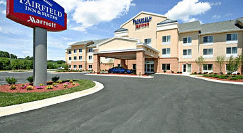 Фото отеля Fairfield Inn & Suites Wytheville 2*
