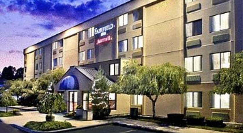 Фото отеля Fairfield Inn Portsmouth Seacoast 2*