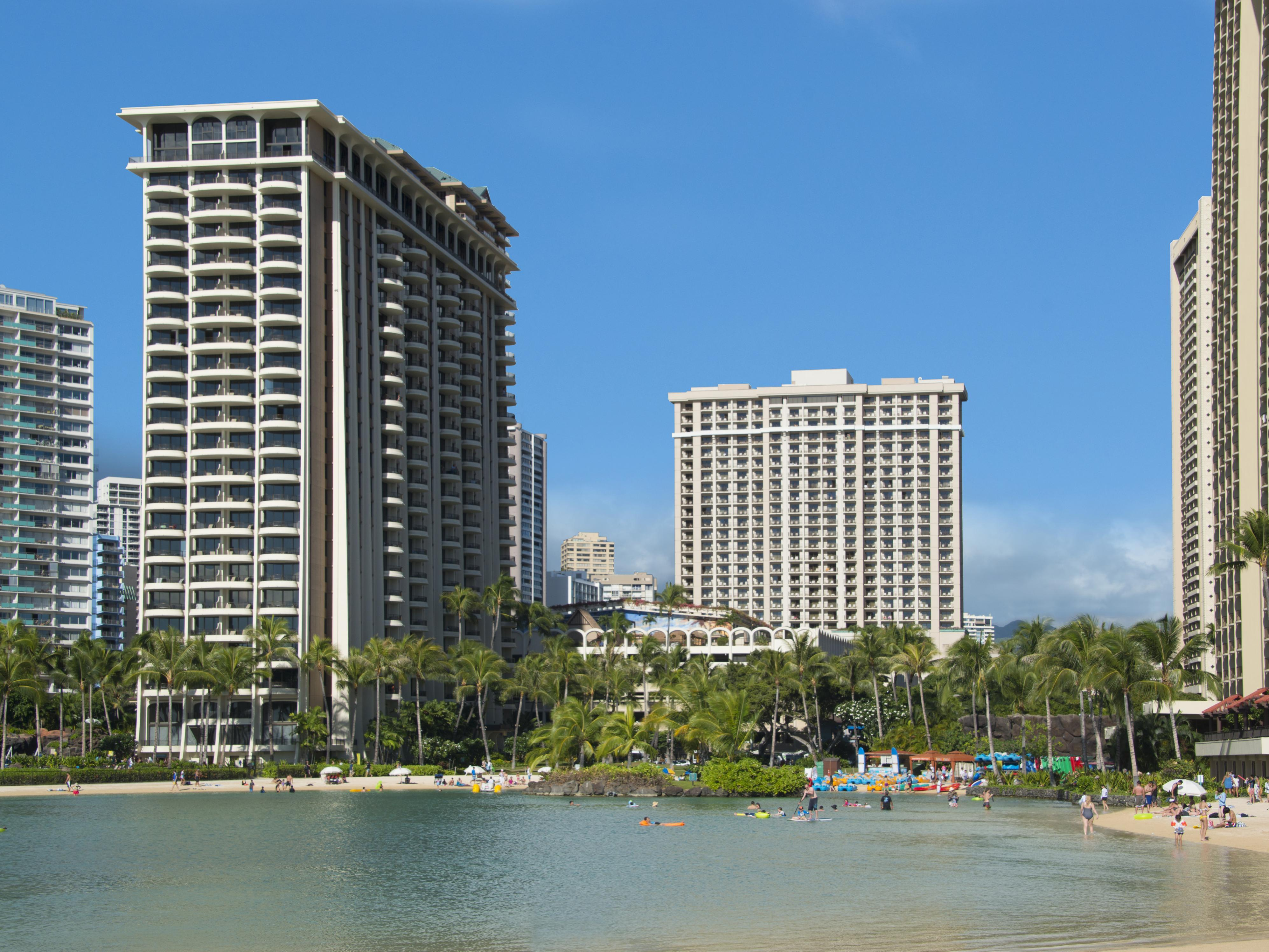 Фото отеля Grand Vacations Suites at Hilton Hawaiian Village 4*