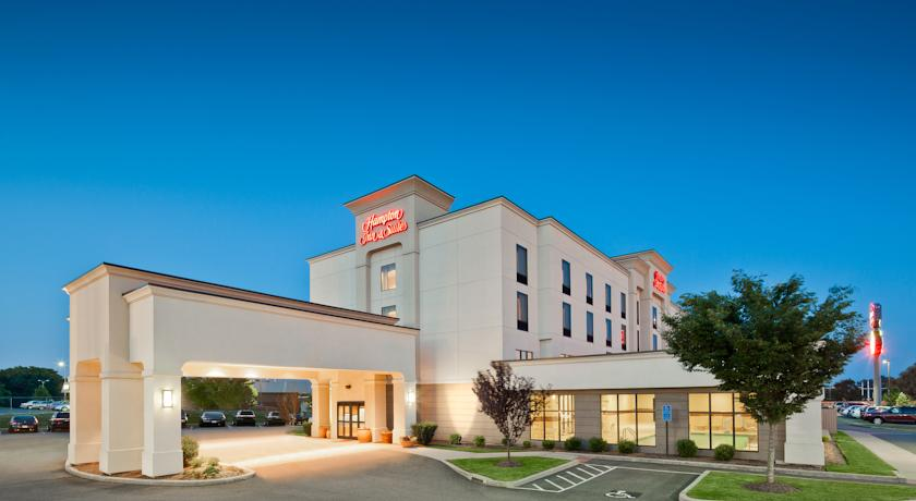 Фото отеля Hampton Inn & Suites New Haven - South - West Haven 3*
