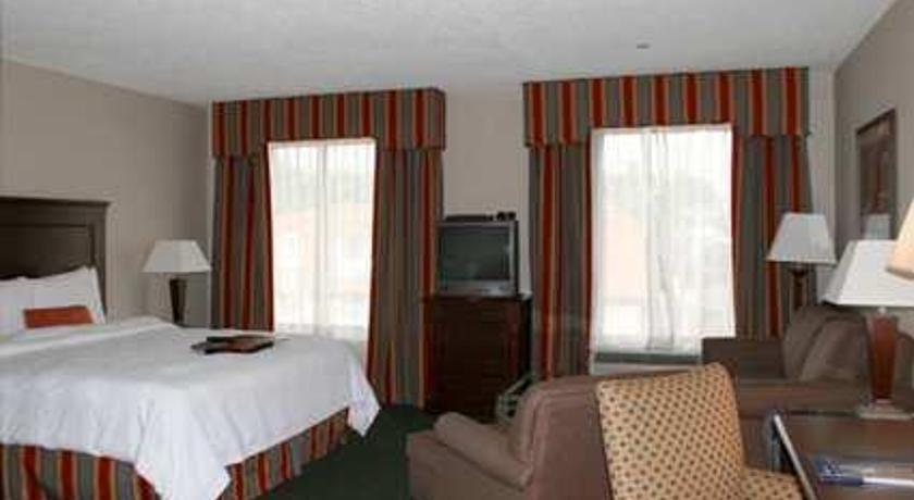 Фото отеля Hampton Inn & Suites Newark-Harrison-Riverwalk 2*