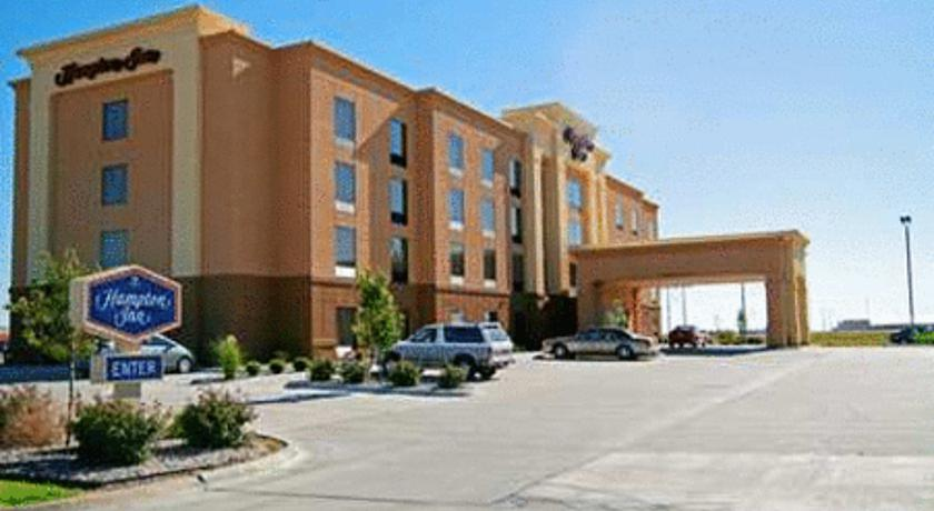 Фото отеля Hampton Inn Hays-North of I-70 3*