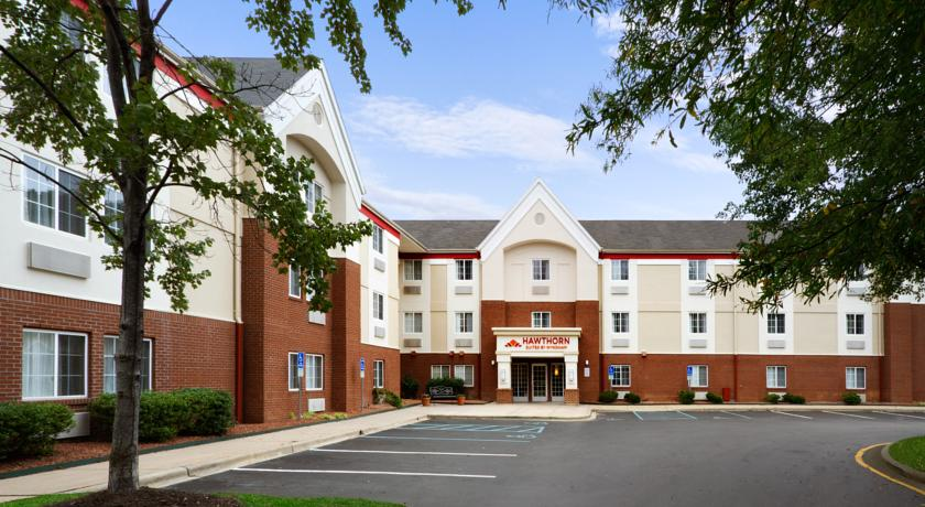Фото отеля Hawthorn Suites by Wyndham Omaha - Old Mill 3*