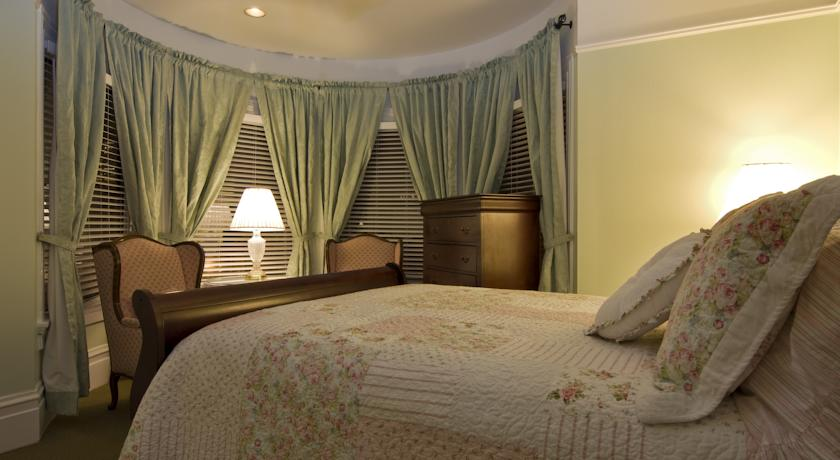 Фото отеля Hayes Valley Inn -