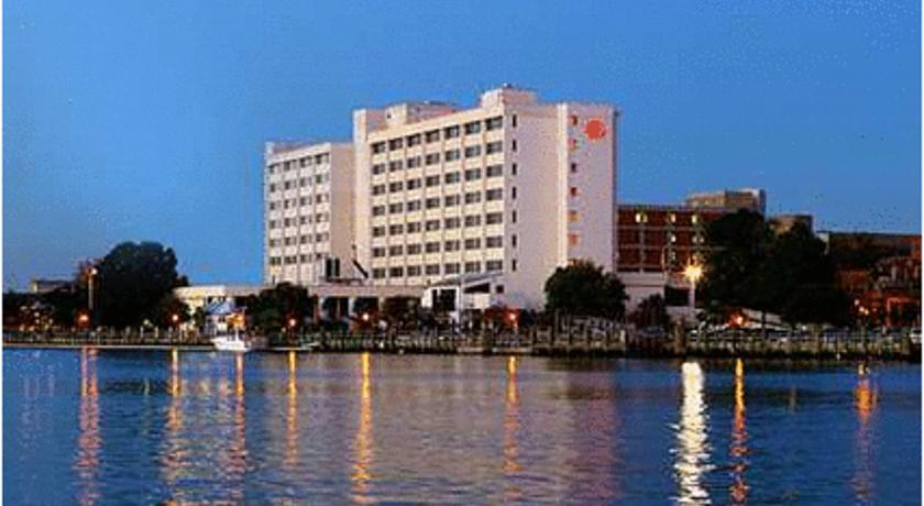 Фото отеля Hilton Wilmington Riverside 3*