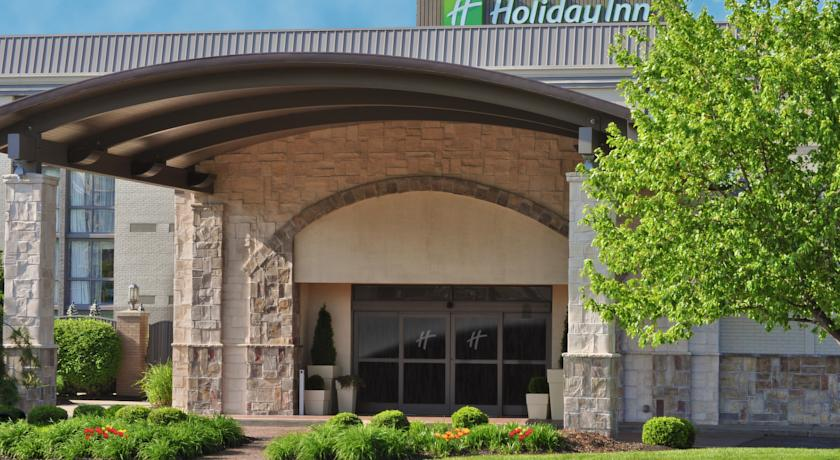 Фото отеля Holiday Inn Cincinnati-Riverfront 3*