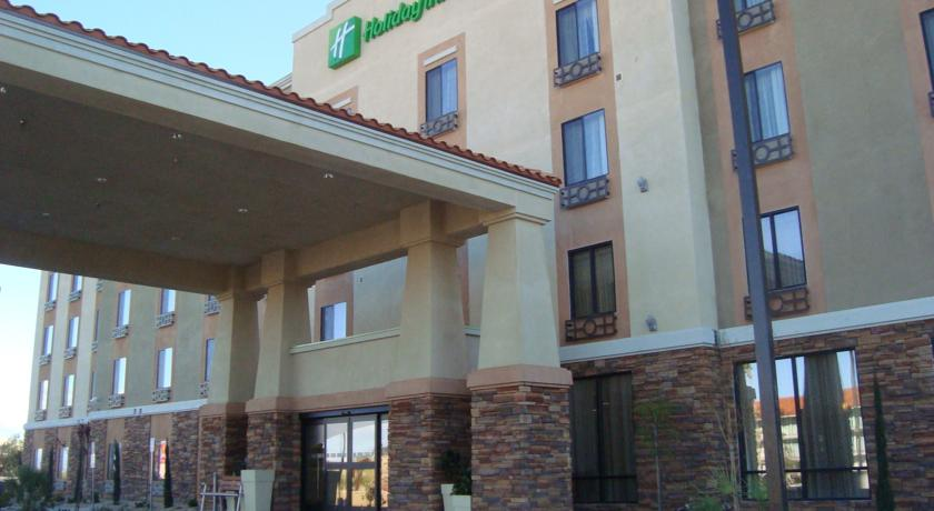 Фото отеля Holiday Inn Express & Suites Gallup East 2*