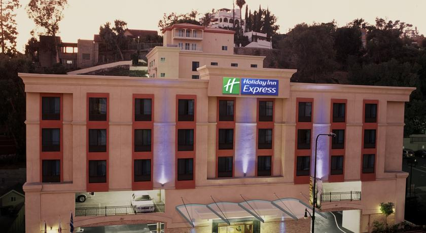 ���� ����� Holiday Inn Express Hollywood Walk of Fame 2*