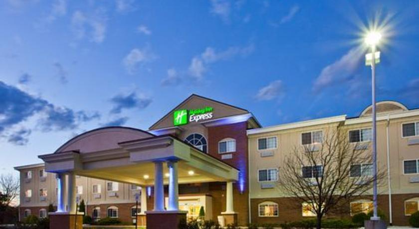 Фото отеля Holiday Inn Express Hotel & Suites Charlotte 3*