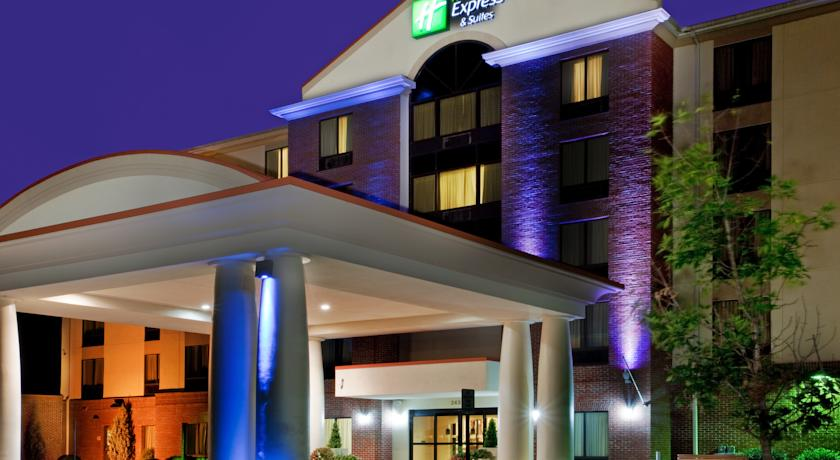 Фото отеля Holiday Inn Express Hotel & Suites Chesapeke 2*
