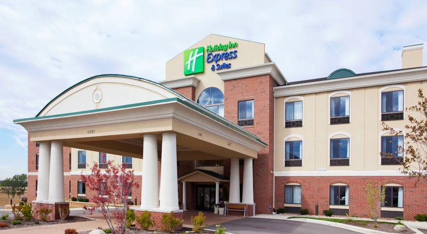 Фото отеля Holiday Inn Express Hotel & Suites Howell 2*