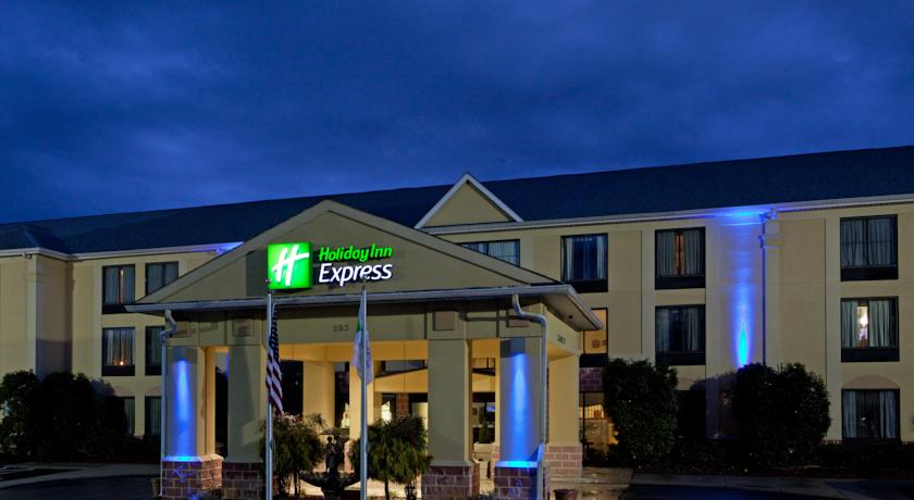 Фото отеля Holiday Inn Express Hotel & Suites Mt Holly-Belmont 3*