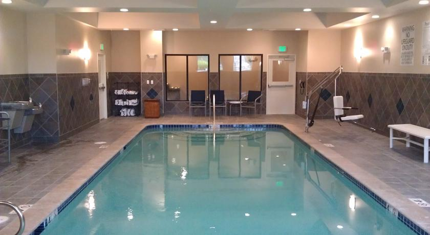 Фото отеля Holiday Inn Express Hotel & Suites Tacoma Downtown 2*