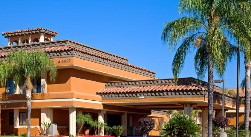 Фото отеля Holiday Inn Express Moreno Valley - Lake Perris 3*