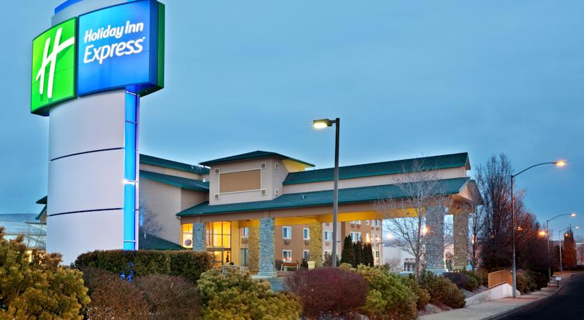 Фото отеля Holiday Inn Express Yakima 2*