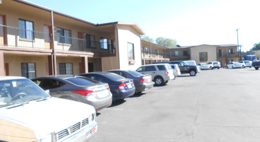 Фото отеля Howard Johnson Inn Flagstaff University West -