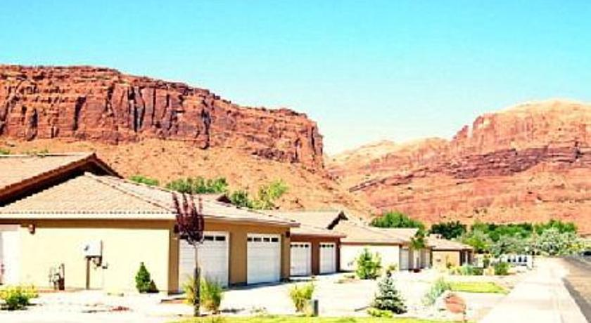 Фото отеля Moab Lodging Vacation Rentals -