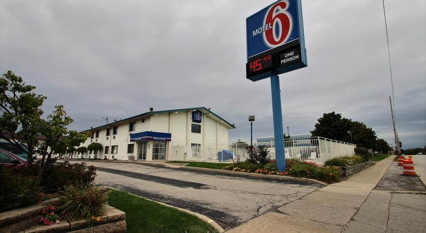 Фото отеля Motel 6 Milwaukee South - Airport