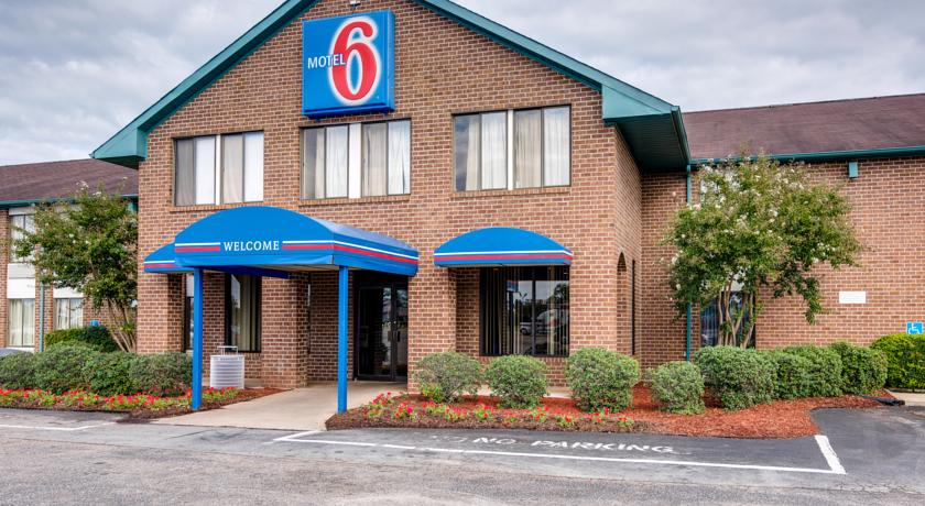 Фото отеля Motel 6 Roanoke Rapids Nc