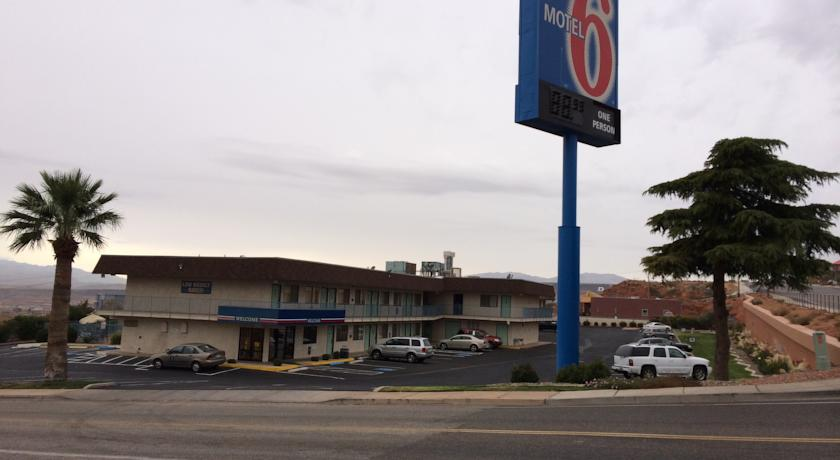 Фото отеля Motel 6 St George