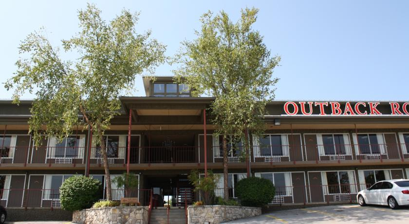 Фото отеля Outback Roadhouse 2*