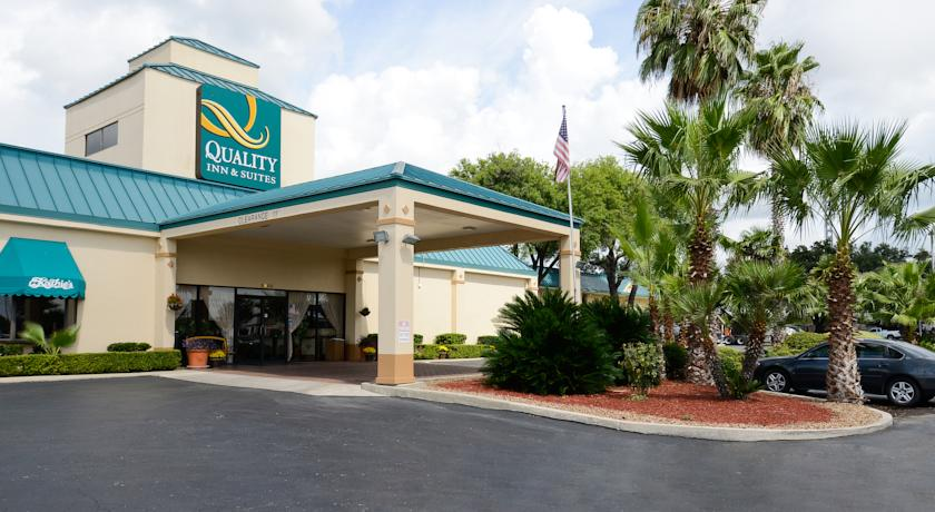 Фото отеля Quality Inn & Suites near Fort Sam Houston 3*
