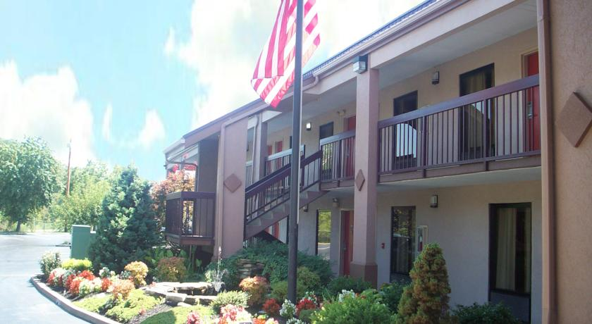 Фото отеля Red Roof Inn Kingsport 2*