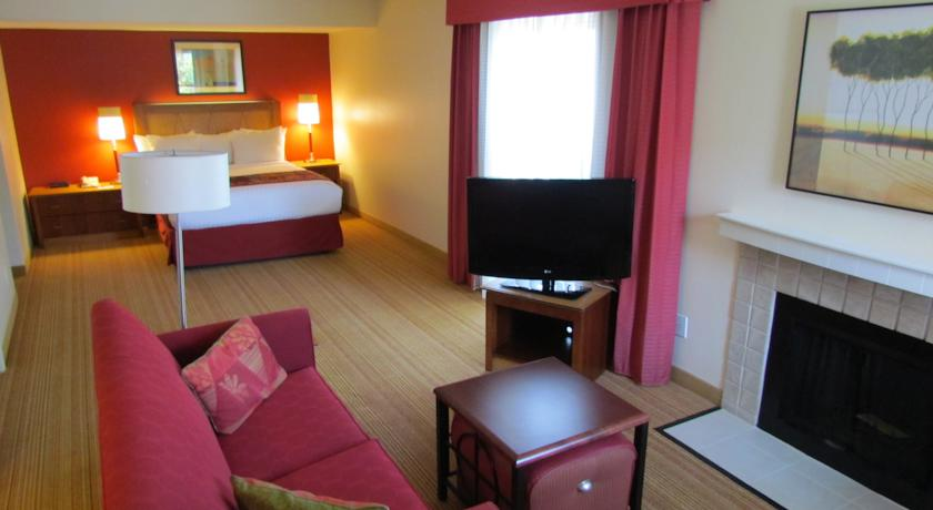Фото отеля Residence Inn Louisville East -