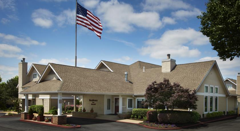 Фото отеля Residence Inn Saint Louis Westport Plaza -