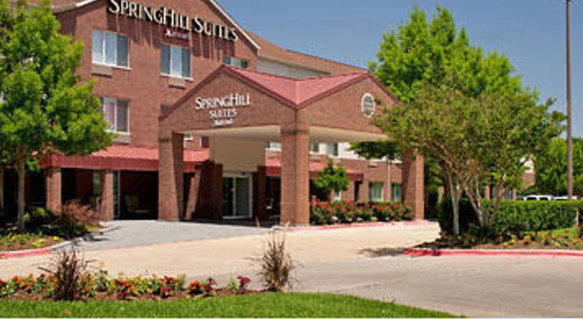 Фото отеля SpringHill Suites Arlington Near Six Flags -