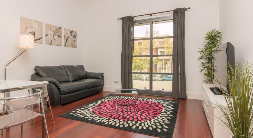Фото отеля Rent4Days Ramblas -