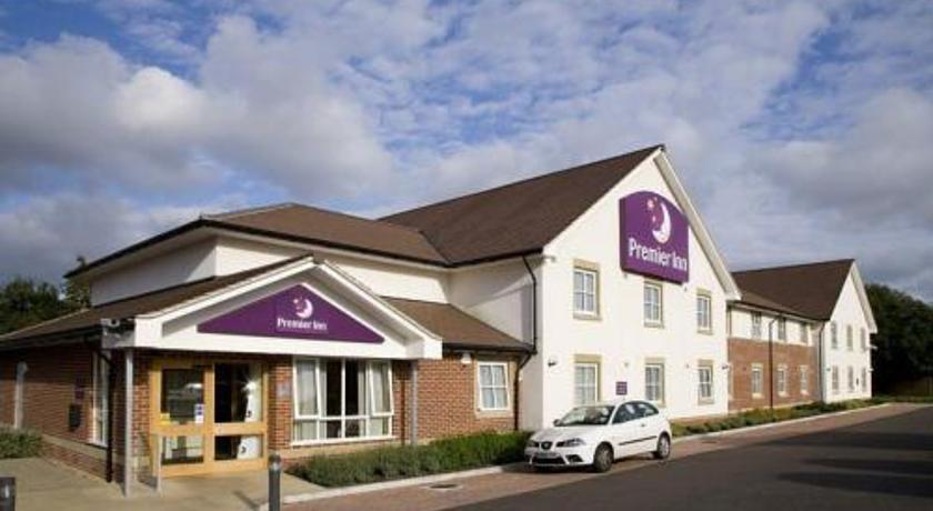 Фото отеля Premier Inn Peterborough North 3*