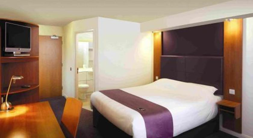 Фото отеля Premier Inn Rugby North M6 Jct 1 3*