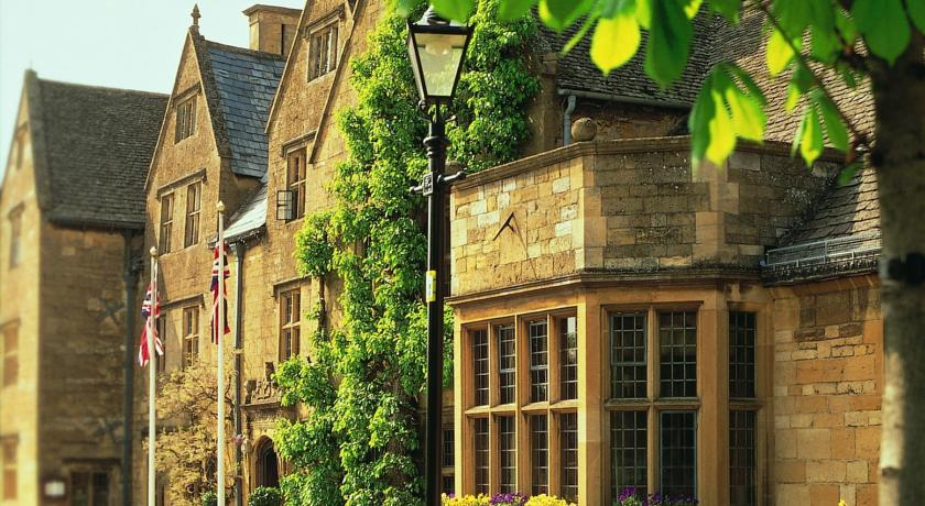 Фото отеля The Lygon Arms - The Hotel Collection 4*