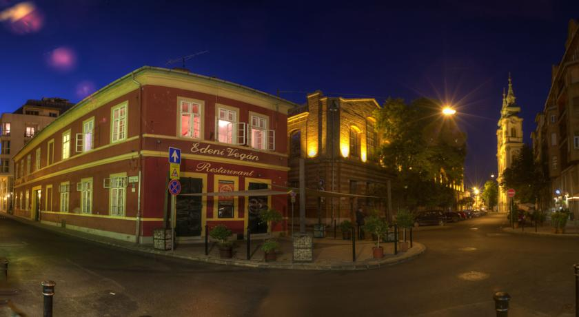 Фото отеля Antique Guesthouse And Hostel -