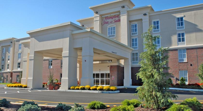 Фото отеля Hampton Inn & Suites Plymouth MA 3*