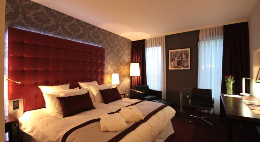 ���� ����� Crowne Plaza Amsterdam South 4*