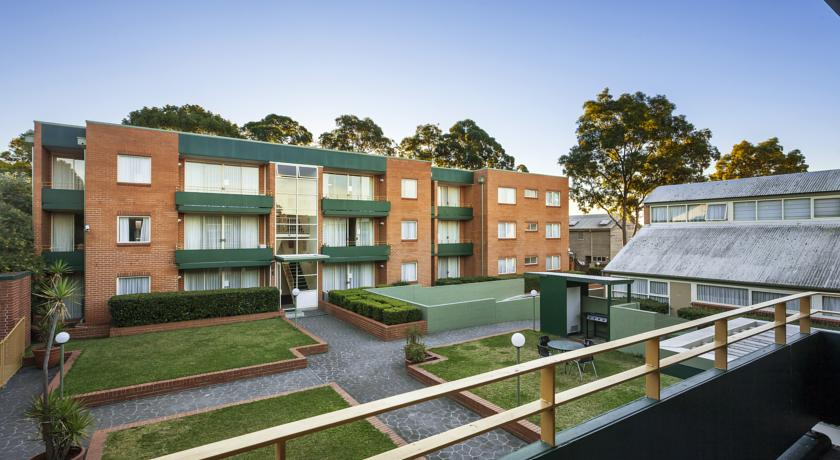Фото отеля APX Apartments Parramatta -