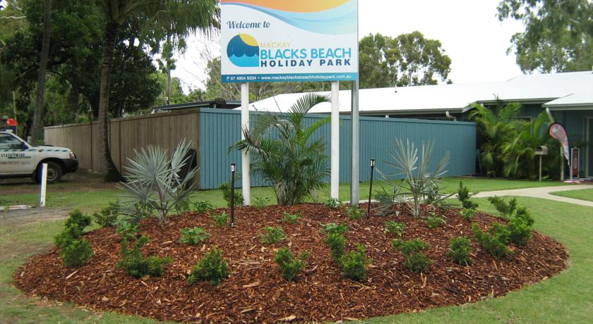 Фото отеля Mackay Blacks Beach Holiday Park -