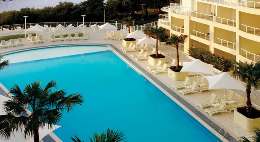 Фото отеля Mantra Ettalong Beach -