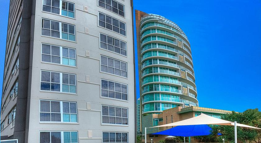 Фото отеля President Holiday Apartments -