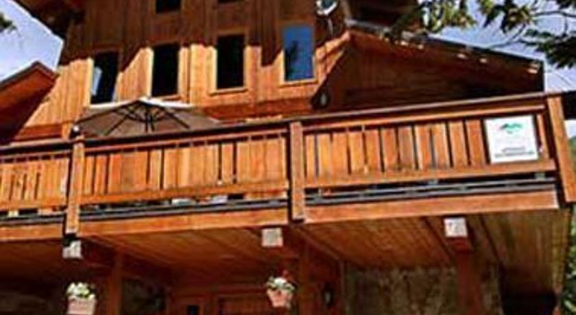 Фото отеля Alpine Lodge Whistler -