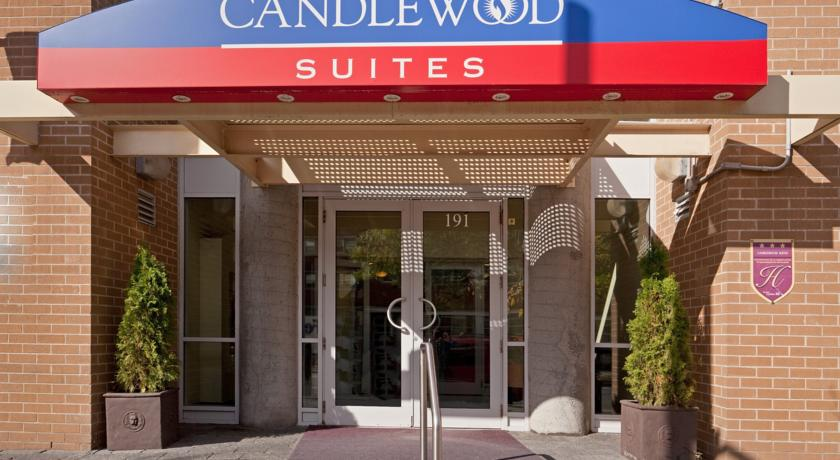 Фото отеля Candlewood Suites Montreal Downtown Centre Ville -