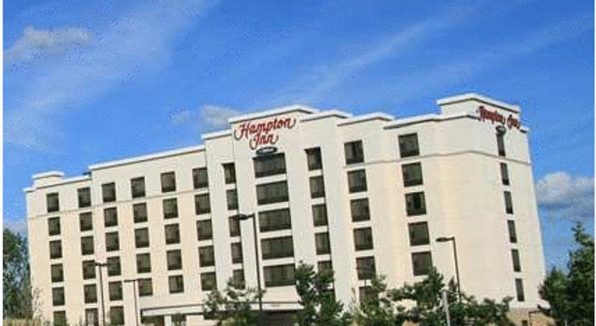Фото отеля Hampton Inn by Hilton Toronto Airport Corporate Centre 4*