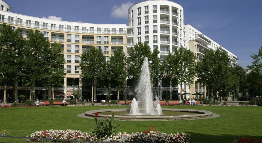 Фото отеля Ramada Plaza Berlin City Centre 4*