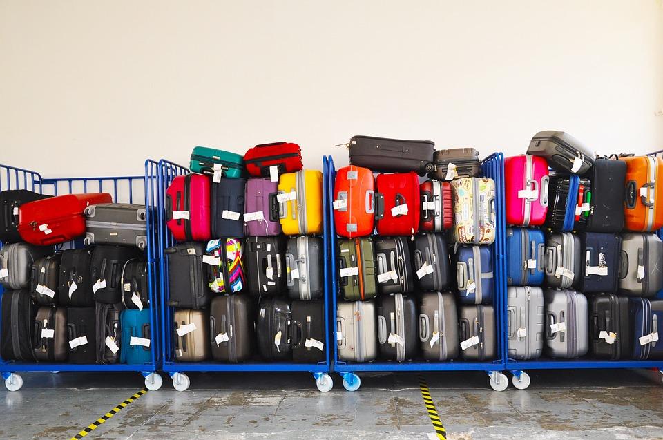 Грузчик рассказал, какзащитить багаж ваэропорту