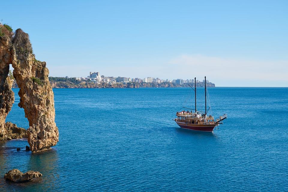Анталия идёт на рекорд: 10 млн иностранных туристов с начала года