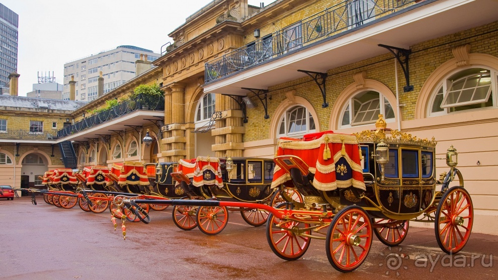 The Royal Mews Buckingham Palace  Royal Collection